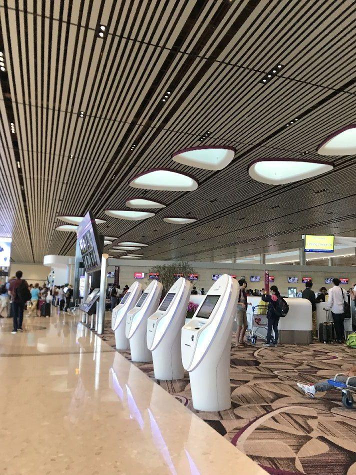 恐怖の最先端チャンギ空港!!出国審査は全てがセルフで待ち時間なし